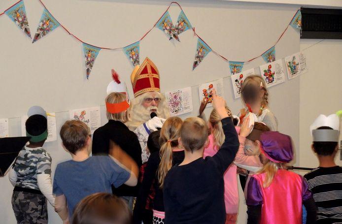 Er is ditmaal door corina geen Sinterklaasmiddag voor kinderen van vluchtelingen en minima.