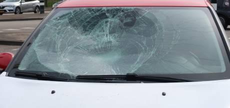 Fietser gewond bij botsing met auto op kruising in Etten-Leur