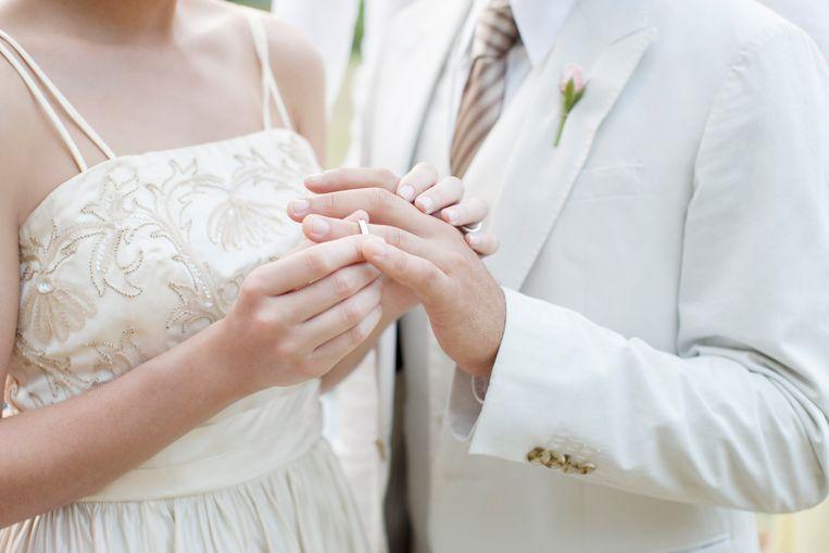 Daar komt de bruid...