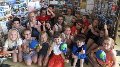 Zeppelinschool krijgt 294 postkaarten uit 83 landen