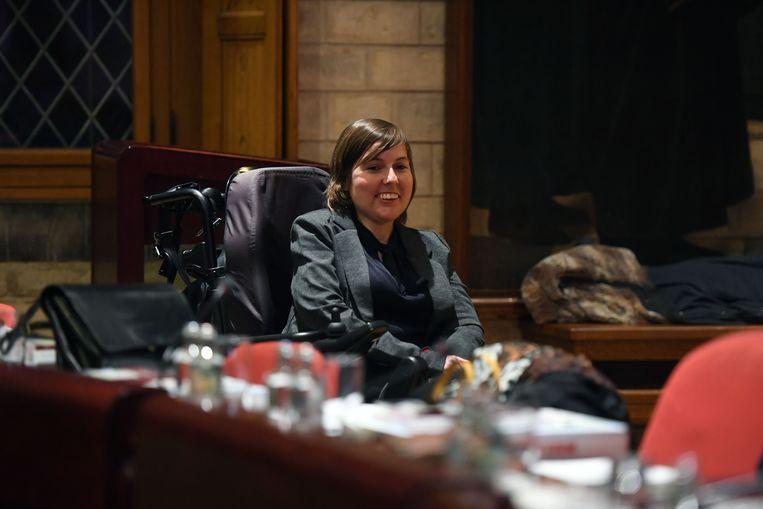Voorzitter Dorien Meulenijzer neemt geen enkel risico en organiseert de gemeenteraad volledig digitaal.