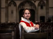 Dominee Willem (32) luistert naar het leed van Utrechters: 'Mensen hebben het er steeds moeilijker mee'