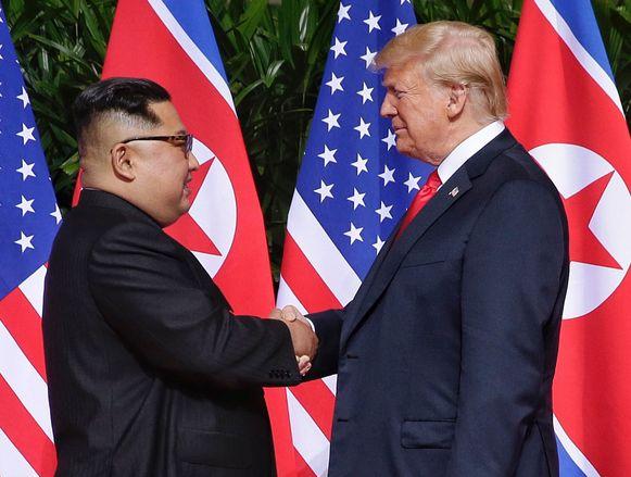 Kim Jong-un en Donald Trump tijdens hun eerste top vorig jaar in Singapore.