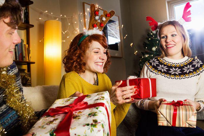 Dat gelukzalige gevoel wanneer je een pakje krijgt - of nog beter: wanneer je er één geeft - zal tijdens deze eindejaarsperiode iets zeldzamer zijn dan anders.