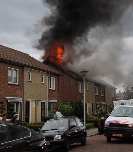 Uitslaande brand verwoest zolder bij woningbrand in Eibergen