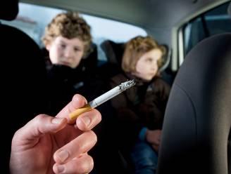 Definitief goedgekeurd: rookverbod in auto in bijzijn van kinderen, boete tot 1.000 euro