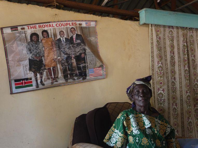 Dorcas Rauda onder een poster met Barack Obama, haar held. Beeld Ilona Eveleens