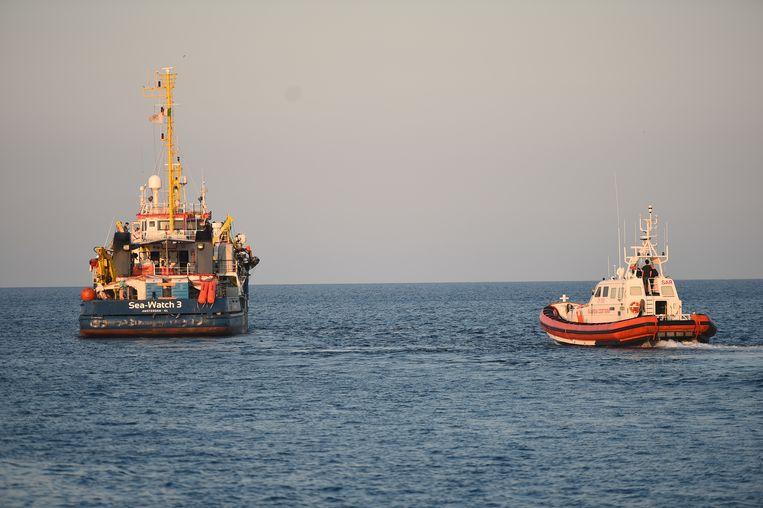Het Sea-Watch 3 reddingsschip. Beeld REUTERS