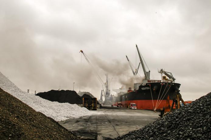 Brand aan boord van schip Mallegat-Noord.