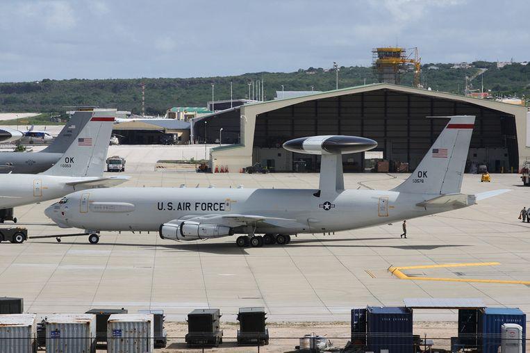 Toestellen van de Amerikaanse luchtmacht op het vliegveld van Curaçao. Beeld
