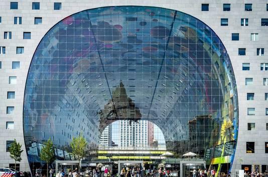 Ook de Markthal wordt genoemd door de Lonely Planet.