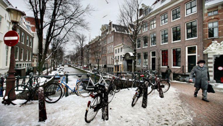 Bij het BG-terrein was permanent handel in gejatte fietsen. Foto Jean-Pierre Jans Beeld