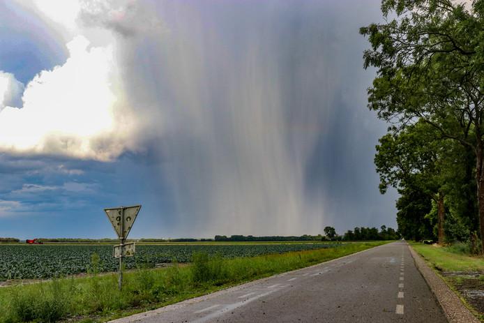 Hevige buiten trokken vandaag over Oost-Nederland.