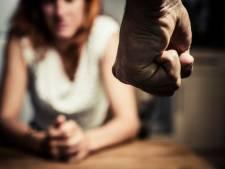Man slaat en schopt ex-vriendin in het gezicht in Tilburg